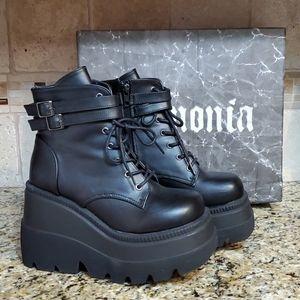 Matte Black Shaker52 Boots